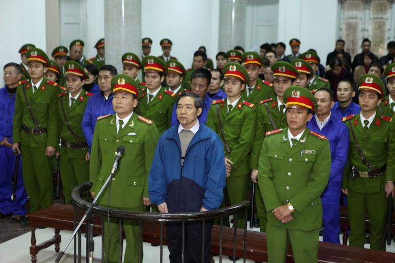 Vietnam is sentencing corrupt bankers to death, by firing squad